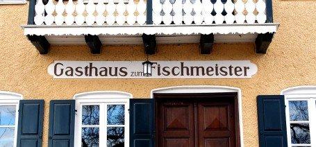 """Das Gasthaus """"Zum Fischmeister"""" in Ambach am Starnberger See, gehört zu den legendären, kulinarischen Adressen am See"""